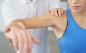 fisioterapia per la lussazione della spalla