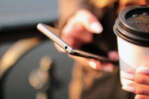 dolore cervicali causati dallo smartphone